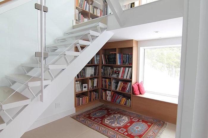 طراحی قفسه کتاب در کمد لباس، آشپزخانه، زیرپله، پشت مبل3